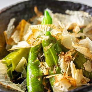 京なす・万願寺とうがらしなど京野菜料理や自家製スイーツも自慢