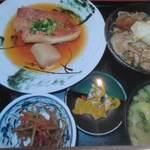 角打 - アコウ鯛煮付けと肉豆腐