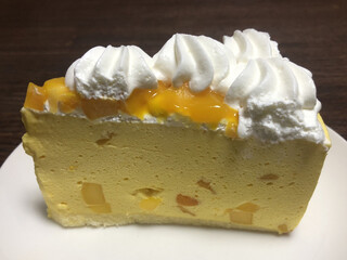 ハーブス - アップルマンゴーのケーキ