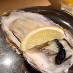 すしまる - 牡蠣(¥200)岩塩レモン