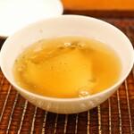 竹屋町 三多 - 白芋茎(ずいき)と蒸し鮑の吉野葛餡かけ