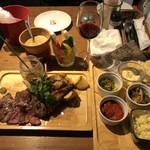 133124315 - スペシャル肉盛り、ラムチョップ単品、TAPAS5種盛、バーニャカウダー(お通し)、赤ワイン