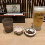 133128999 - きときとセット ¥1,290                        生ビール、白エビの天ぷら、ホタルイカの沖漬け、白えびせんべい                                                                     白エビ刺身小皿単品 ¥690                       (白えび約30尾使用)