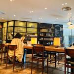 133148702 - 思い思いの時間が過ごせる落ち着いたカフェみたいなベーカリーショップ♡