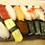 13315566 - お寿司のアップです。