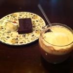 カフェ・ラ・バスティーユ - ココアグラッセ チョコレートのテリーヌ