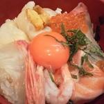 13315785 - [ランチ] 海鮮丼 (2013年8月)