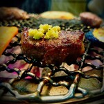 花備 - 料理写真:厚切り塩ハラミ