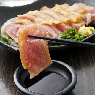 銘柄鶏堪能!名古屋コーチンや肉厚地鶏等のこだわり料理に舌鼓!