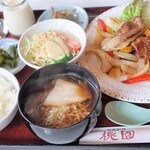 桃園 - 飛騨牛カルビ焼肉定食1800円