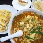 大福元 - 料理写真:スーラ麺&半チャーハン