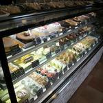 スイーツナカムラ - 美味しそうなケーキがキレイに並べられています