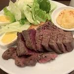 肉塊UNO - 牧草牛ローストビーフランチ