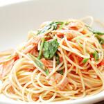 ラ・グラスリィ - ベーコンとルッコラの有機トマトソース