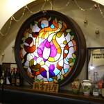 我家我屋 - 当店の歴史あるステンドグラス