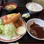 カフェ レストラン 梅昇 - お相手はかわいいハンバーグ