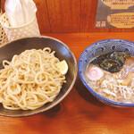 麺屋 ジギー - 料理写真:つけ麺並900円+ネギ増し50円