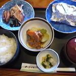 東山 - 料理写真:おまかせ定食750円