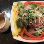 金沢まいもん寿司 - 海鮮サラダ小429円。金目鯛とメバルがたっぷりで、とても美味しくいただきました(╹◡╹)