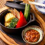 南部鉄器で蒸焼き野菜と「しょんしょん」