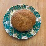 スモモ - 料理写真:黄金のきなこもちもちパン。     中にたっぷりのスィートポテトを詰め込んだこの店の人気No1の商品です。