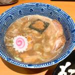 Rokurinsha - 【2020年07月】味玉つけめん@950円、提供時のつけ汁。