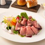 和田倉噴水公園レストラン - ローストビーフサラダ