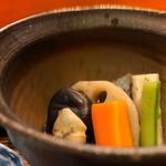 日々魚数寄 東木 - 煮物、コレまた盛り付けが美しい