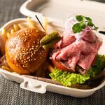 和田倉噴水公園レストラン - [takeout]ローストビーフバーガー