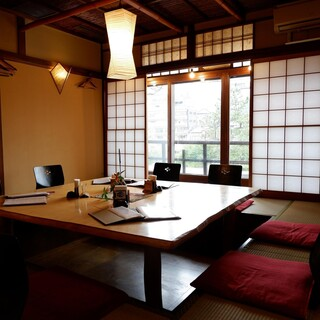 京町屋の掘り炬燵和個室もご用意
