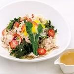海のホテル島花 - 料理写真:冷製 淡路島サラダぬーどる(¥1,200)オニオンスープのだしと一緒にお召し上がり頂きます。