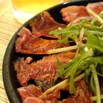 トロバコ - マグロのほほ肉のタタキ。