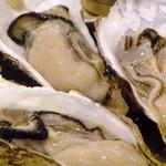 トロバコ - 生牡蠣!本日は兵庫産です。