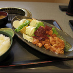 肉の和 - 料理写真:肉の和@ホルモン網焼きセット 980円
