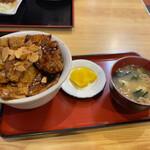うるとら食堂 - 料理写真:ガーリック豚丼