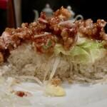 麺飯店 俵飯 - 鶏唐ニンニク塩ダレ飯・並中(1200円)