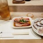 金井寿司 - 最初。刺し盛り・たこ。