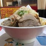 ラーメン風林火山 - 料理写真:ラーメン普通250g800円ヤサイマシニンニク少しアブラ+豚100円