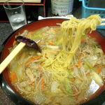 元祖 スタミナちゃんぽん  - 沢山の具材と中麺