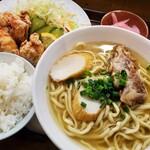具志川そば - 料理写真:チキン唐揚げセット