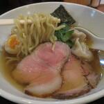 133268364 - 麺は石川製麺の中太ちぢれ麺