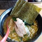 横浜家系らーめん三元 - 料理写真:醤油ラーメン