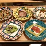 Ebisuchuukataizan - 中国前菜の五種盛合せ:大山鶏干し海老棒棒鶏、美明豚釜焼き叉焼、亀の手のスパイス煮、アメーラトマト杏露酒漬け、枝豆黒ちゃんシラス青山椒