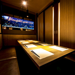 プライベート感たっぷりのアクアリウム個室は大小多数ご用意!