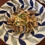 Osteria e Vino PORCO ROSSO - 熊本県産アサリとズッキーニ・カラスミのパスタ