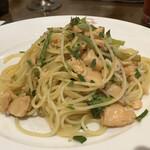燕三条イタリアンBit - 新潟県産のブロッコリーとサーモンのオイルソース
