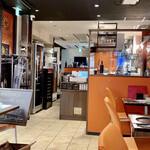 燕三条イタリアンBit - 開店間もないので今がシャッターチャンス! この後続々とお客様がいらっしゃり、ランチタイムはなかなか盛況でした♪