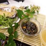 ふく流ラパス 分家 ワダチ - あわびと肝醤油