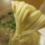 丸和前ラーメン - 麺