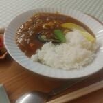 おへんろの駅こくぶ - 料理写真:おむすび定食(チキンカレーライス)